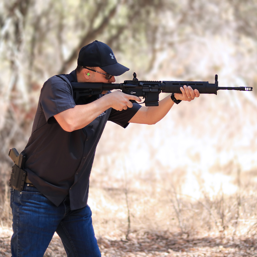 Shooting Sparrow Dynamics Featureless Rifle